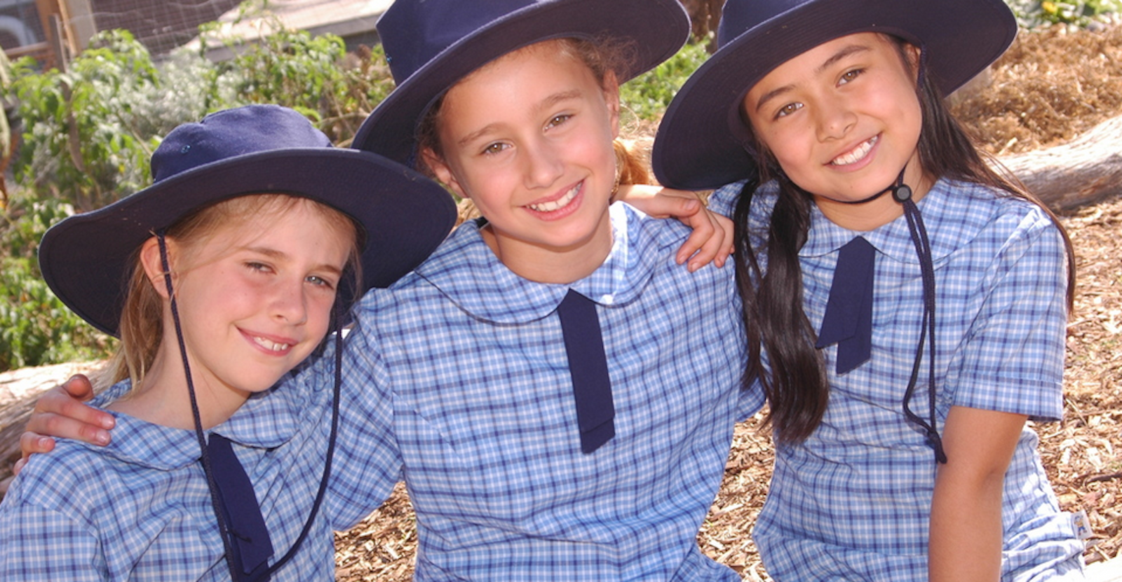 1c26a7555b At East Bentleigh Primary School we have an attractive navy, sky blue and  white school uniform which has variations to suit all children and budgets.
